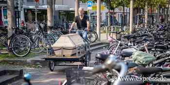 Oldenburg: Künstler entwickelt Bestattungsfahrrad mit Sarg - EXPRESS