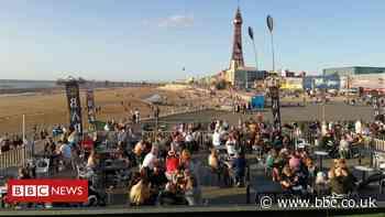 Blackpool crowds ignore Covid 'last blast' warning