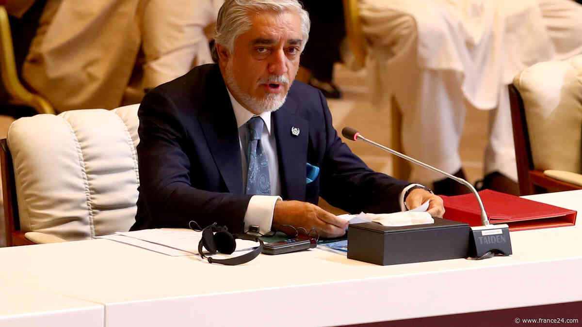Des Taliban libérés ont repris les armes, selon le négociateur afghan - FRANCE 24