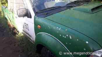 Dos carabineros heridos tras ataques a vehículo policial en Cañete - Meganoticias