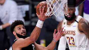 Murray's late triples help Nuggets fend off Lakers' comeback to win Game 3
