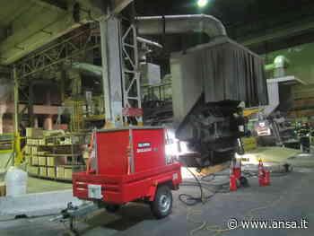 Incendio di alluminio in fabbrica a Bolzano - Agenzia ANSA