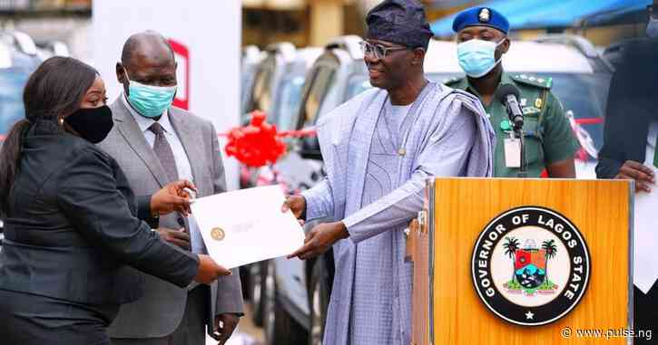 Gov Sanwo-Olu hands over 51 vehicles, 8 houses to judges