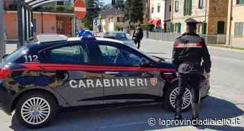 Tamponamento tra due auto alla rotonda di Quaregna - La Provincia di Biella
