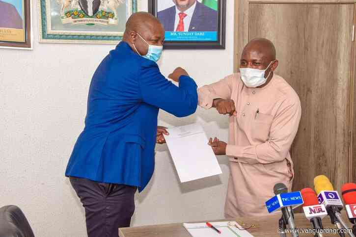 Dare, Igali sign pact to boost Nigerian wrestling