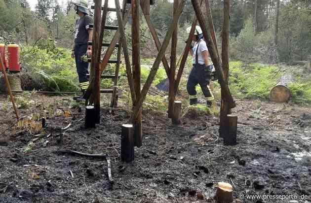 FW Rösrath: Waldbrand im Landschaftsschutzgebiet und Unfall auf der BAB - zwei parallele Einsatzstellen für die Feuerwehr Rösrath