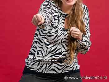 Claudia wil haar vrijwilligerswerk bij de Bibliotheek Schiedam niet missen - https://schiedam24.nl/