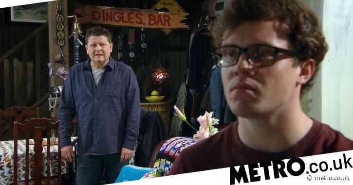 Emmerdale spoilers: Vinny destroyed by Paul Ashdale's gambling secret