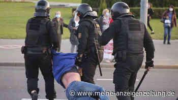 Proteste in Belarus: Polizisten nehmen hunderte Menschen fest - Berichte von Schüssen in Minsk