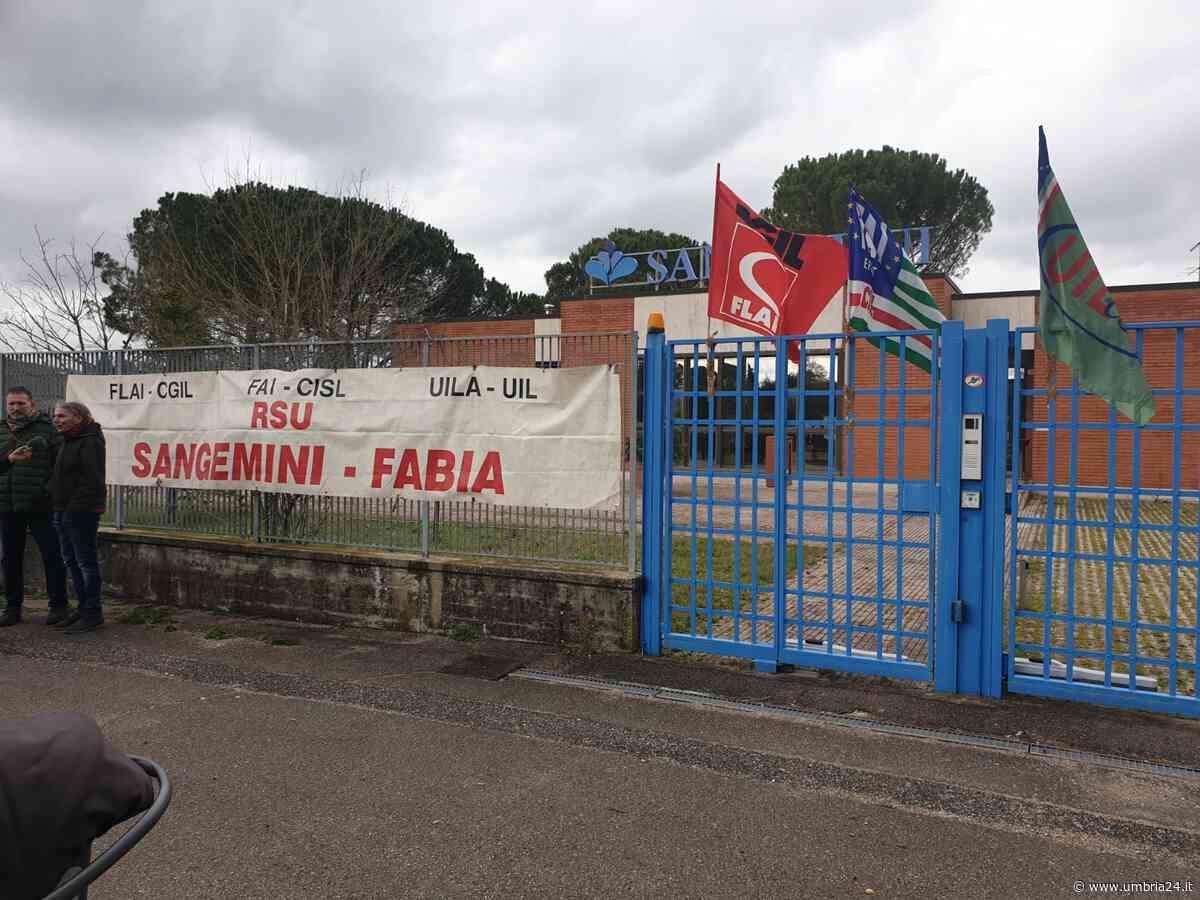 Sangemini, flop vendite e aumenta la cassa integrazione: lavoratori ancora in agitazione - Umbria 24 News