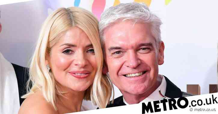 Phillip Schofield gifts Holly Willoughby early copy of tell-all book and we're so jealous