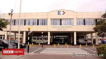 Craigavon Hospital coronavirus death: Call for police inquiry - BBC News