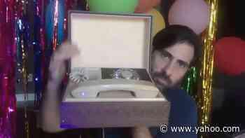 Jason Schwartzman Has a Very Beautiful Telephone - Yahoo Entertainment
