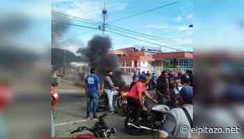 Cojedes | Conductores queman cauchos para exigir gasolina en Tinaquillo - El Pitazo