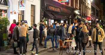Huge crowds spill out of pubs as 10pm curfews see Brits 'partying' in UK streets