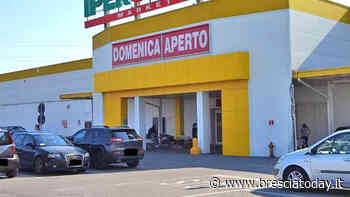 """""""Gentile cliente, il punto vendita chiude"""": 50 dipendenti scaricati con un cartello - BresciaToday"""