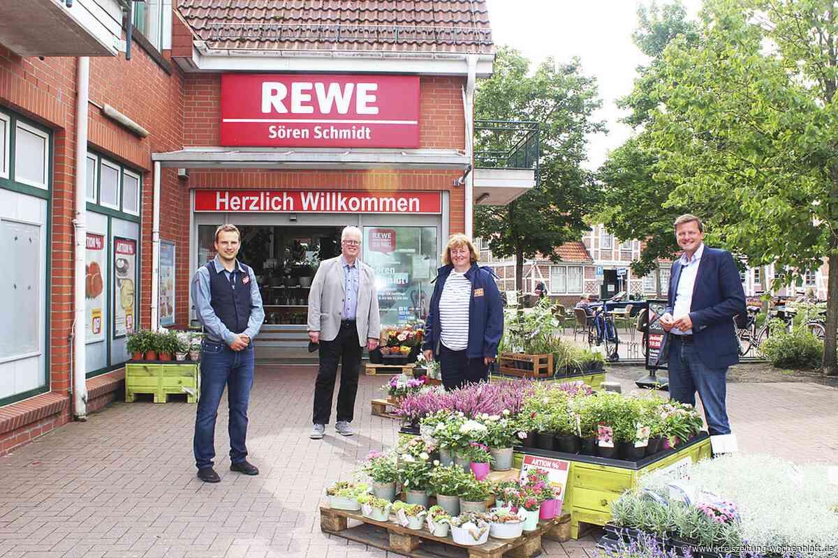Zuverlässig und nachhaltig: Oliver Grundmann (MdB) macht sich in Jork ein Bild von der REWE-Lokal-Partnerscha - Kreiszeitung Wochenblatt