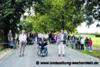 Sanierter Schuldamm in Ahrensmoor eingeweiht: Freie Durchfahrt - Kreiszeitung Wochenblatt
