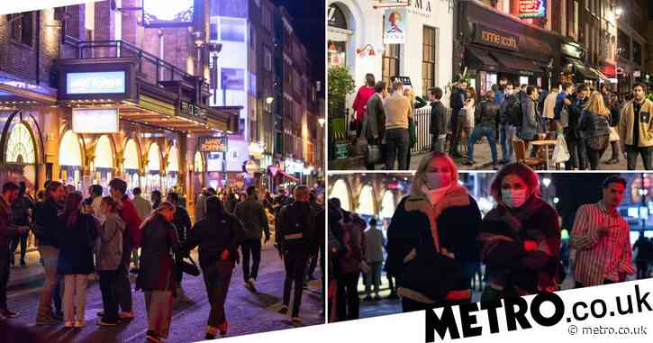 People flock out of pubs and restaurants on first weekend of 10pm curfew