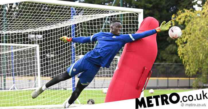 Petr Cech puts new Chelsea signing Edouard Mendy through his paces during first training session
