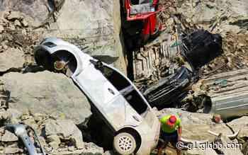 Carros encontrados em lago de antiga pedreira de Salto de Pirapora têm peças furtadas - G1