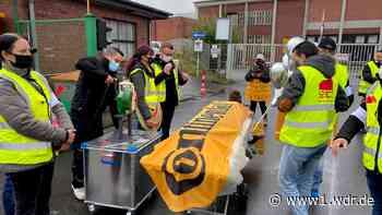 Bei einer Demo gegen Schließung von Aachener Continental-Werk übt Minispterpräsident Laschet harsche Kritik