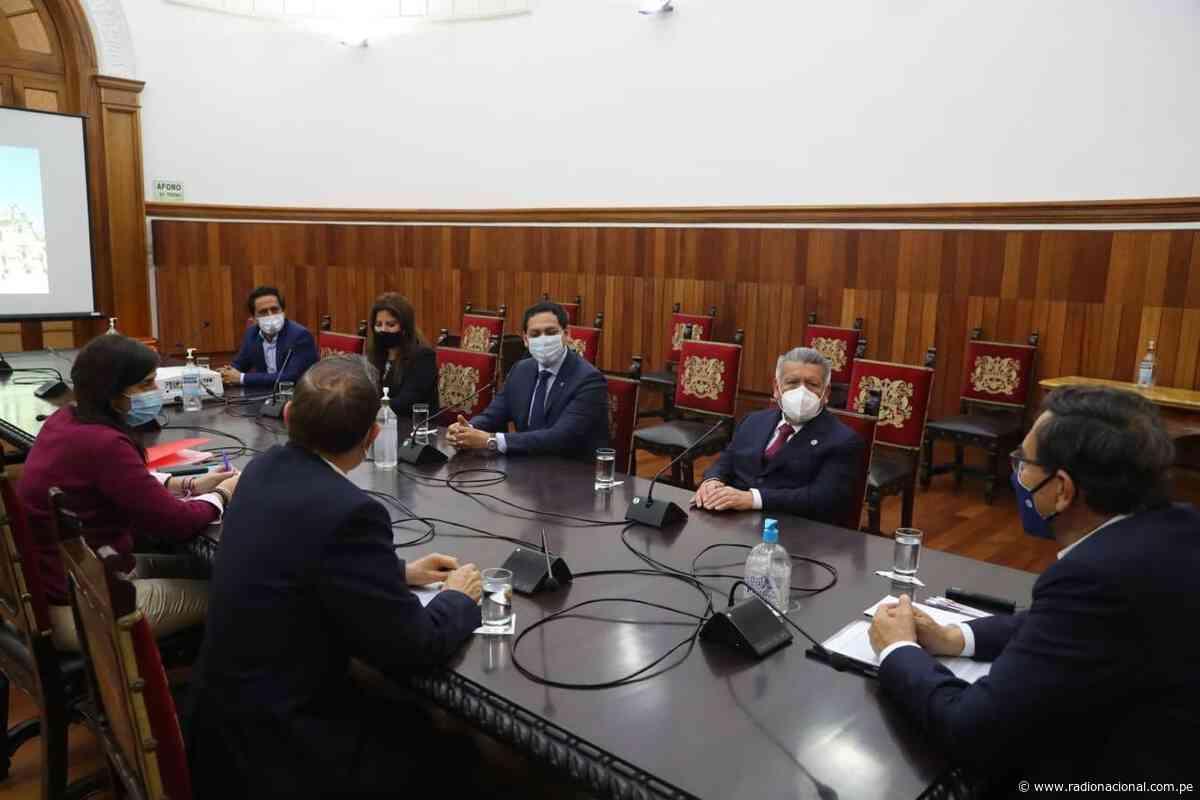 Vizcarra se reunió con líder y congresistas de Alianza para el Progreso - Radio Nacional del Perú