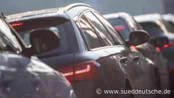 Sattelzug fängt auf Autobahn Feuer - Süddeutsche Zeitung
