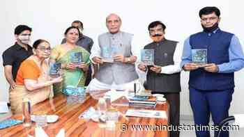 Rajnath Singh launches author Dr Krishna Saksena's 'A bouquet of flowers' - Hindustan Times