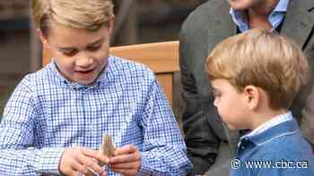 David Attenborough gives shark tooth fossil to 7-year-old Prince George