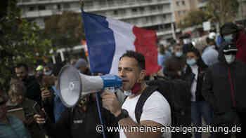 """Corona-Proteste in Frankreich: Mediziner fordern """"drastische Maßnahmen"""" - und verweisen unter anderem auf Spanien"""
