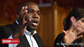 Coronavirus: David Lammy warns that people are 'bubbling out of pubs' due to curfew