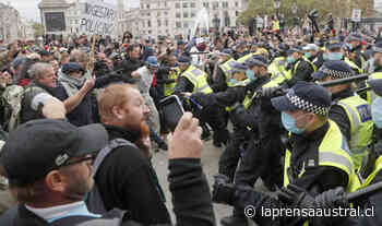 Negacionistas del coronavirus se enfrentaron a la policía en Londres - La Prensa Austral
