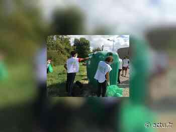 A Poligny, une balade solidaire des étudiants pour retrouver une belle nature - Voix du Jura