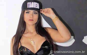 Modelo Carol Candelaria comemora aniversário do Corinthians nas redes sociais - Criativa On Line