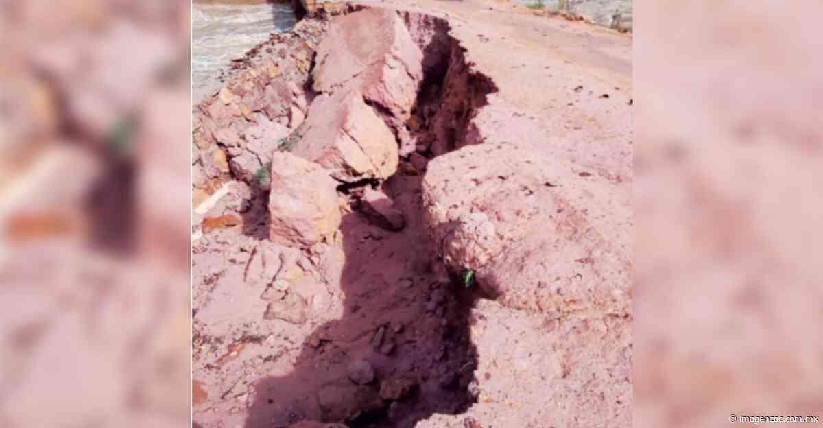 Fracturan lluvias puente en Florencia - Imagen de Zacatecas, el periódico de los zacatecanos
