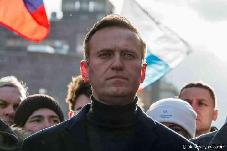 Merkel visited Kremlin critic Navalny in hospital - Spiegel