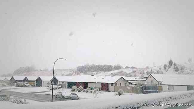 Cold Front Brings Snow to New Zealand's South Island