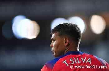 PSG : Thiago Silva prend Cavani pour fracasser Leonardo !