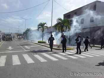 +VIDEO| Queman sede de la Alcaldía de Chivacoa - evtvmiami.com