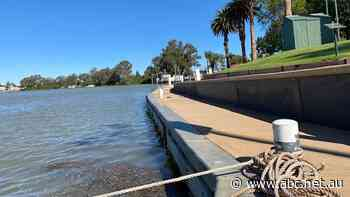 Council commits to $2m upgrade of historic Renmark wharf damaged by houseboats
