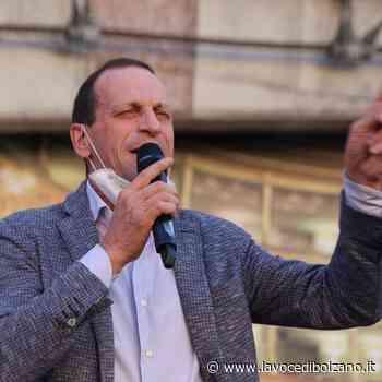 """La maggioranza in Provincia a Bolzano trema? Savoi: """"O noi oi Comunisti"""" - La Voce di Bolzano"""