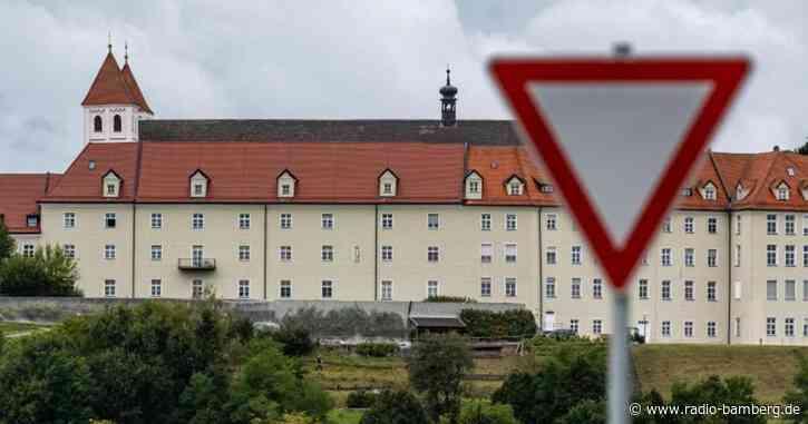 Nach Massentest drei Corona-Fälle im Kloster Mallersdorf