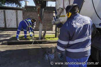 Vicente Lopez previene inundaciones a través de la limpieza de sumideros - lanoticiaweb.com.ar