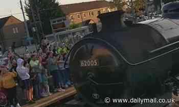 Train ruins Harry Potter fans' view of Hogwarts Express at Scottish station