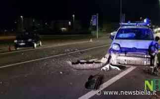 Colpo di sonno a Mottalciata, automobilista abbatte cartellonistica stradale - newsbiella.it