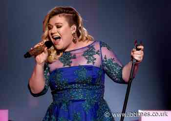 Kelly Clarkson sued for not paying millions of dollars to her management company