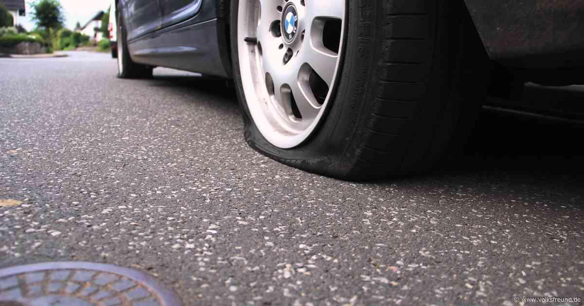 Täter zerschlagen in Stadtkyll Autoscheiben und stechen Reifen kaputt. - Trierischer Volksfreund