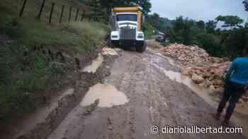 Mientras se pavimentan 4,2 km de la vía Santa Lucía-Moñitos, más de 49 siguen intransitables - Diario La Libertad