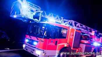 100 000 Euro Schaden nach Brand von Wohnwagen und Carport - Süddeutsche Zeitung